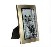 מסגרת זהב לתמונות