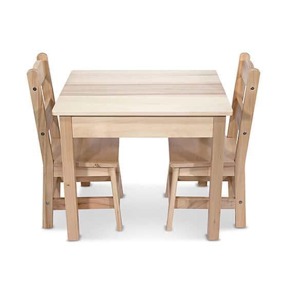 שולחן ו2 כיסאות מעץ מליסה ודאג