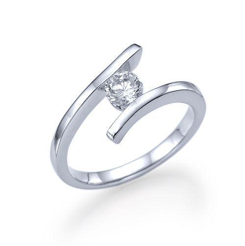 טבעת אירוסין זהב לבן ליליאן 0.41 קראט בעיצוב צעיר וחדשני