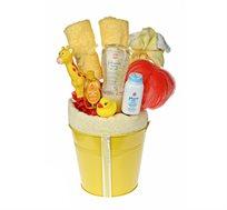 בייבי פינוקי צהוב - מתנת לידה המעוצבת כזר מרהיב ובו שזורים באהבה מוצרים שימושיים ומפנקים לאמבטיה - משלוח חינם