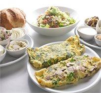 ארוחת בוקר זוגית או ארוחת דגים זוגית פלוס כוס יין לבחירה במסעדה רנה טבריה החל מ-₪80