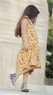 MAYAYA שמלת מתן נמוכה (2-14 שנים) חרדל הדפס פאזל