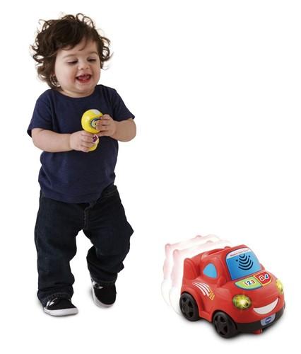 מכונית מנגנת ומאירה עם שלט ניעור - תמונה 4