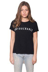 טישרט לנשים זוהרה Untouchable - שחור עם כיתוב לבן