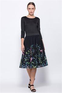 חצאית רשת עם הדפס פרחוני צבעוני