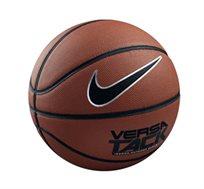 על איכות לא מתפשרים! כדורסל נייק VERSA TACK, עשוי עור סינטטי ומתאים למשחק על כל המשטחים
