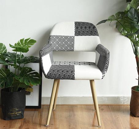 כיסא מרופד בעיצוב מודרני דגם פאוול טלאים