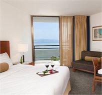 """2-4 לילות לזוג במלון לאונרדו פלאזה טבריה ע""""ב א.בוקר החל מ-₪2300"""