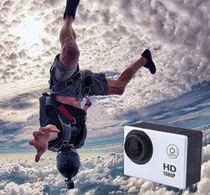 מצלמת אקסטרים full hd איכותית עם צג מגע וטכנולוגיית HS לצילומי ספורט ואקסטרים