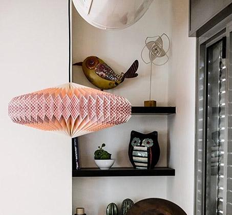 אהיל תאורה מנייר בעבודת יד בגווני צבע כתום דגם פליז אליפטי
