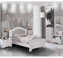 חדר שינה קומפלט עשוי עץ דגם פיראוס הכולל מיטה זוגית, שתי שידות, קומודה ומראה