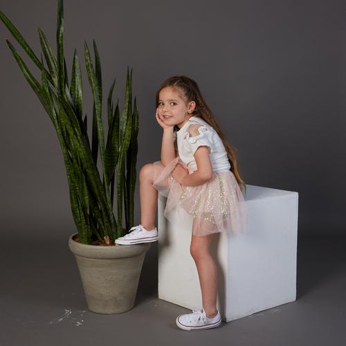 חולצת Oro לילדות (מידות 2-8 שנים) לבן