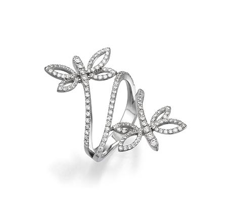 טבעת פרפרים גדולה ומרשימה ביופייה משובצת יהלומים במשקל כולל של 1.2 קארט