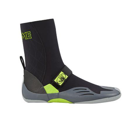 """נעלי גלישה 3 מ""""מ לאחיזה ונוחות מירבית של הגולש במגוון מידות Body Glove"""