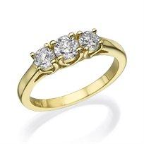 """טבעת """"3 יהלומים"""" בעיצוב מיוחד 0.81 קראט מזהב צהוב"""