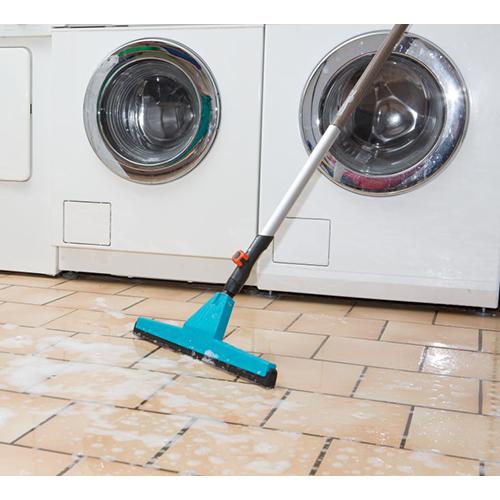 מגב רצפה עם מוט רב תכליתי אלומיניום יציב במיוחד תוצרת GARDENA גרמניה - תמונה 3