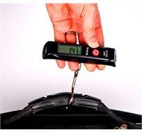 """נמאס לכם לשלם על משקל עודף! משקל דיגיטלי נייד לשקילת מזוודות וחפצים שונים לשקילה עד 50 ק""""ג!"""