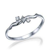 """טבעת יהלומים """"ברברה"""" זהב לבן בעיצוב עדין"""
