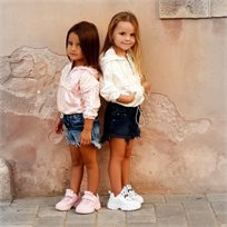 חולצת Oro לילדות (מידות 2-7 שנים) חולצת ניילון לבנה
