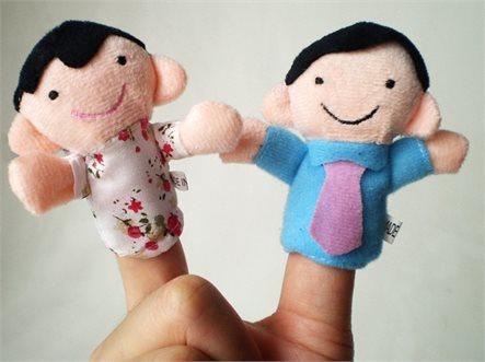לכל המשפחה! סט בובות אצבע איכותיות המרכיבות משפחה שלמה: סבא, סבתא, אבא, אמא, אח ואחות, ב-₪35 בלבד! - תמונה 5