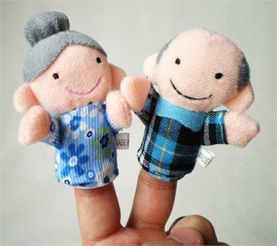 לכל המשפחה! סט בובות אצבע איכותיות המרכיבות משפחה שלמה: סבא, סבתא, אבא, אמא, אח ואחות, ב-₪35 בלבד! - תמונה 6