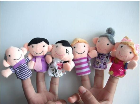 לכל המשפחה! סט בובות אצבע איכותיות המרכיבות משפחה שלמה: סבא, סבתא, אבא, אמא, אח ואחות, ב-₪35 בלבד! - תמונה 4