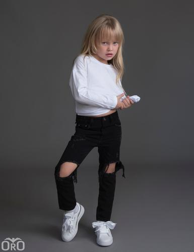 Oro/  ג'ינס יוניסקס ׁ(12 חודשים- 16 שנים) שחור קרע ברך גדול