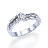 """טבעת אירוסין זהב לבן """"ליאן"""" בשיבוץ יהלומים 0.41 קראט"""