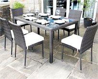 מערכת ישיבה הכוללת 6 כיסאות גבוהים מרופדים + שולחן גדול 1.6 מטר בעל פלטת זכוכית שחורה מבית HomeTown