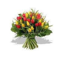 ספיישל טוליפים, זר חורפי שמחמם את הלב עם טוליפים המבטאים אהבה וסימפטיה - משלוח חינם!