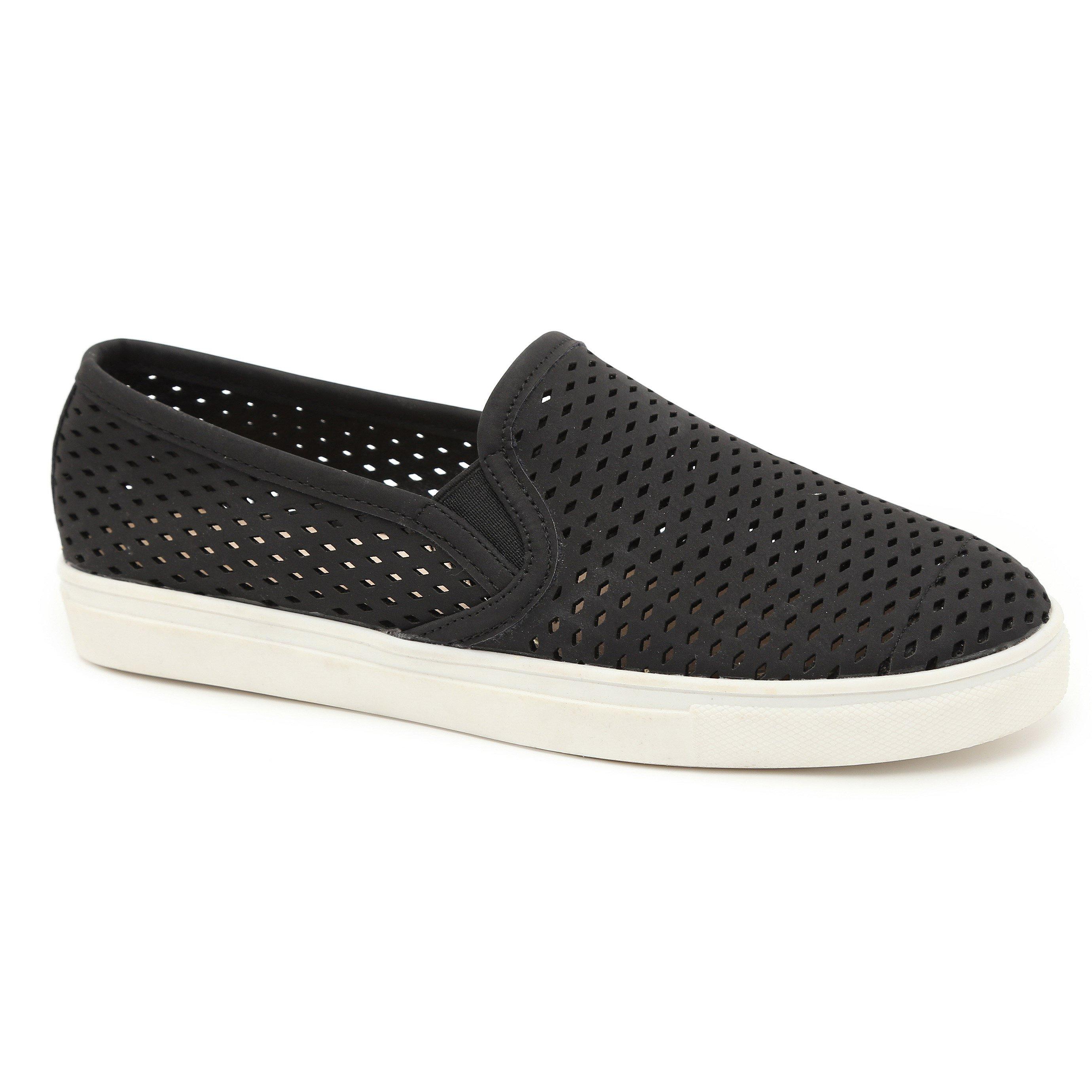 Seventy Nine - נעלי סליפ-און בצבע שחור בעיצוב חורי מעויינים
