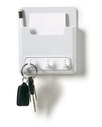 ארגונית נדבקת לפתקים ומפתחות