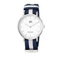 שעון יד אנלוגי אופנתי יוניסקס עמיד במים, נוח וקל משקל Q&Q QS-Q974J331Y תוצרת CITIZEN