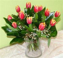 זר טוליפים במגוון צבעים מרהיב ביופיו שיחמם לכם את הלב - משלוח חינם!