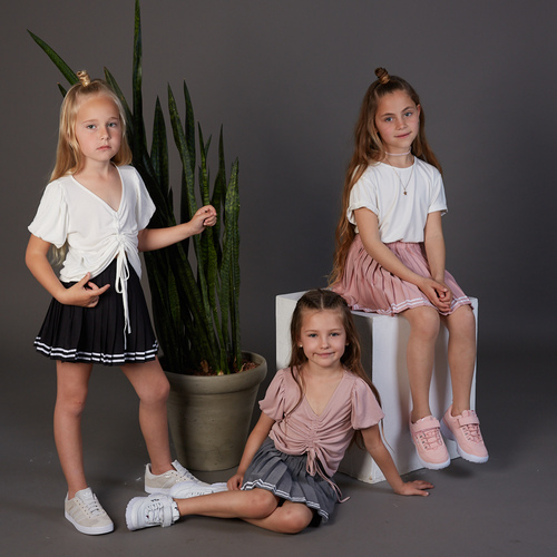 חולצת Oro לילדות (מידות 2-8 שנים) לבן קשירות
