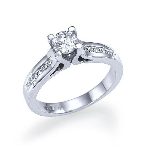 """טבעת אירוסין זהב לבן """"ג'ניפר"""" 0.52 קראט בשיבוץ Prong מעוצב ונקי"""
