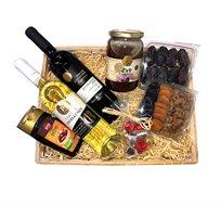 מארז ראש השנה הכולל דבש, יין אדום ולבן, סילאן שוקולד ופירות יבשים