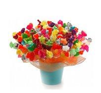 חגיגה מתוקה - זר מתוק מרהיב ומרשים ביופיו ובאיכותו המורכב ממגוון ממתקים טעימים