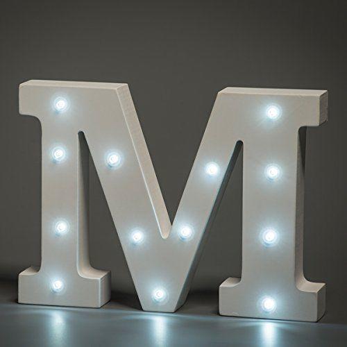 מנורת לילה עם תאורת לד Led מעוצבת בצורת האות M