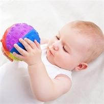 כדור תחושות גדול - קשת צבעים 100% גומי טבעי