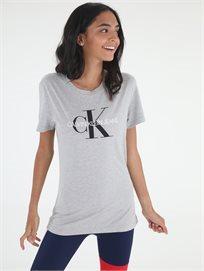 חולצה קלווין קליין אפורה לנשים