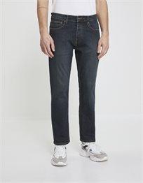 ג'ינס בגזרת regular C5