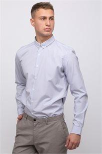 חולצה מכופתרת בשילוב טקסטורה ודוגמא