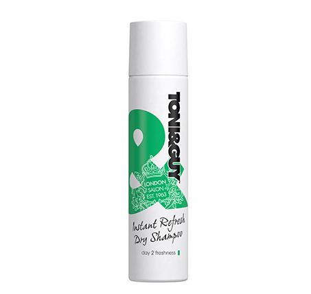 שמפו יבש ללא שטיפה מעניק נפח בין חפיפה לחפיפה