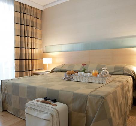 פסח ברודוס! 4-7 לילות כולל טיסות ולינה במלון Rhodos Palace ע