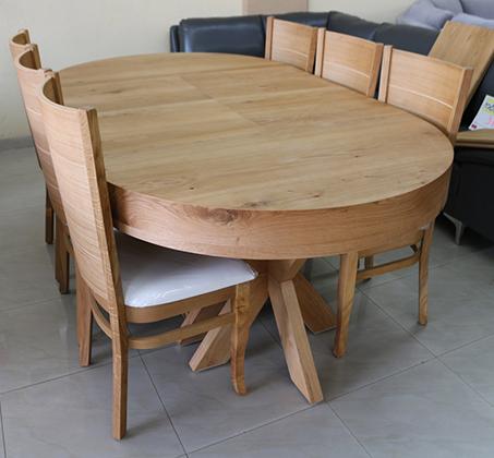 סט שולחן אוכל עגול נפתח כולל ארבע כסאות מרופדים עשוים עץ אלון מבוקע - תמונה 3