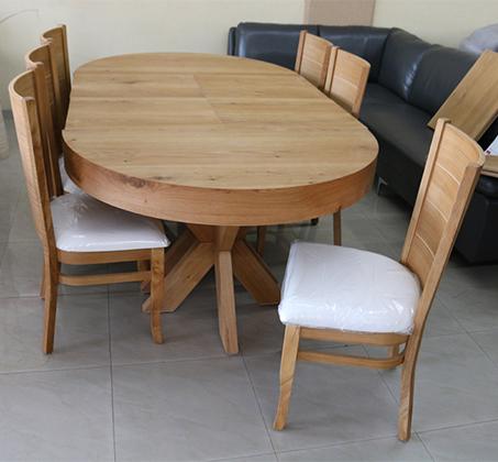 סט שולחן אוכל עגול נפתח כולל ארבע כסאות מרופדים עשוים עץ אלון מבוקע - תמונה 6