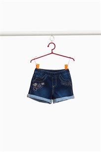 מכנסי ג'ינס קצרים לילדות מבד סטרץ' עם לבבות מיהלומים