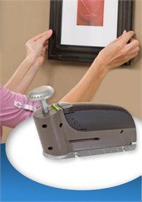מכשיר מהפכני לתליית תמונות וחפצים על הקיר