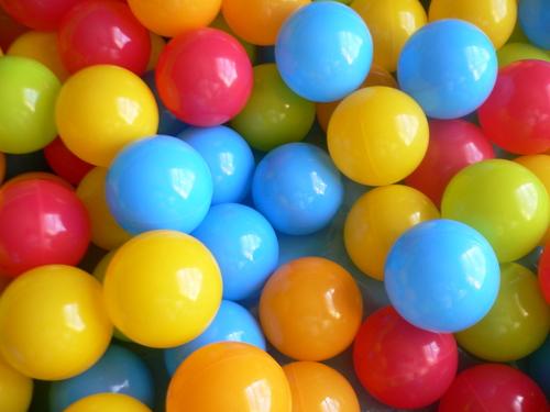 100 כדורים צבעוניים גדולים, איכות AAA בגודל 9 ס